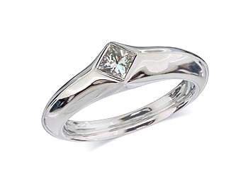 Platinum set single stone diamond engagement ring, with a certificated princess cut centre in a rub over setting.