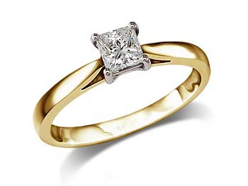 18 carat yellow gold set single stone diamond engagement ring, with a certificated princess cut, in a four claw setting.