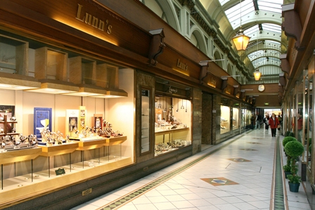 Lunns of Queens Arcade.jpg